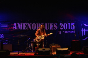 IMG_0150-amenoblues-2015